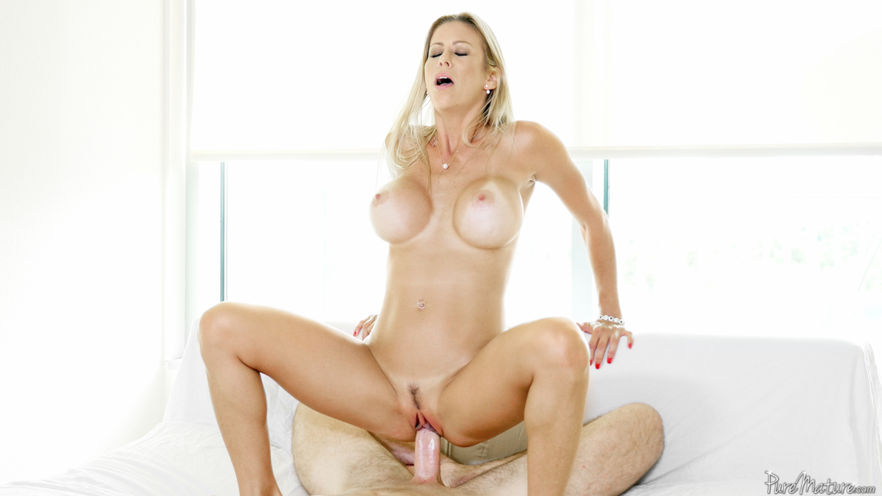 Hot milf wife spreads legs