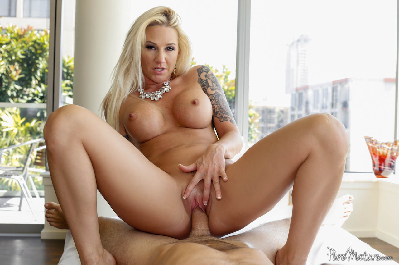 Amazing milf heather vahn gets fucked and facialized 5