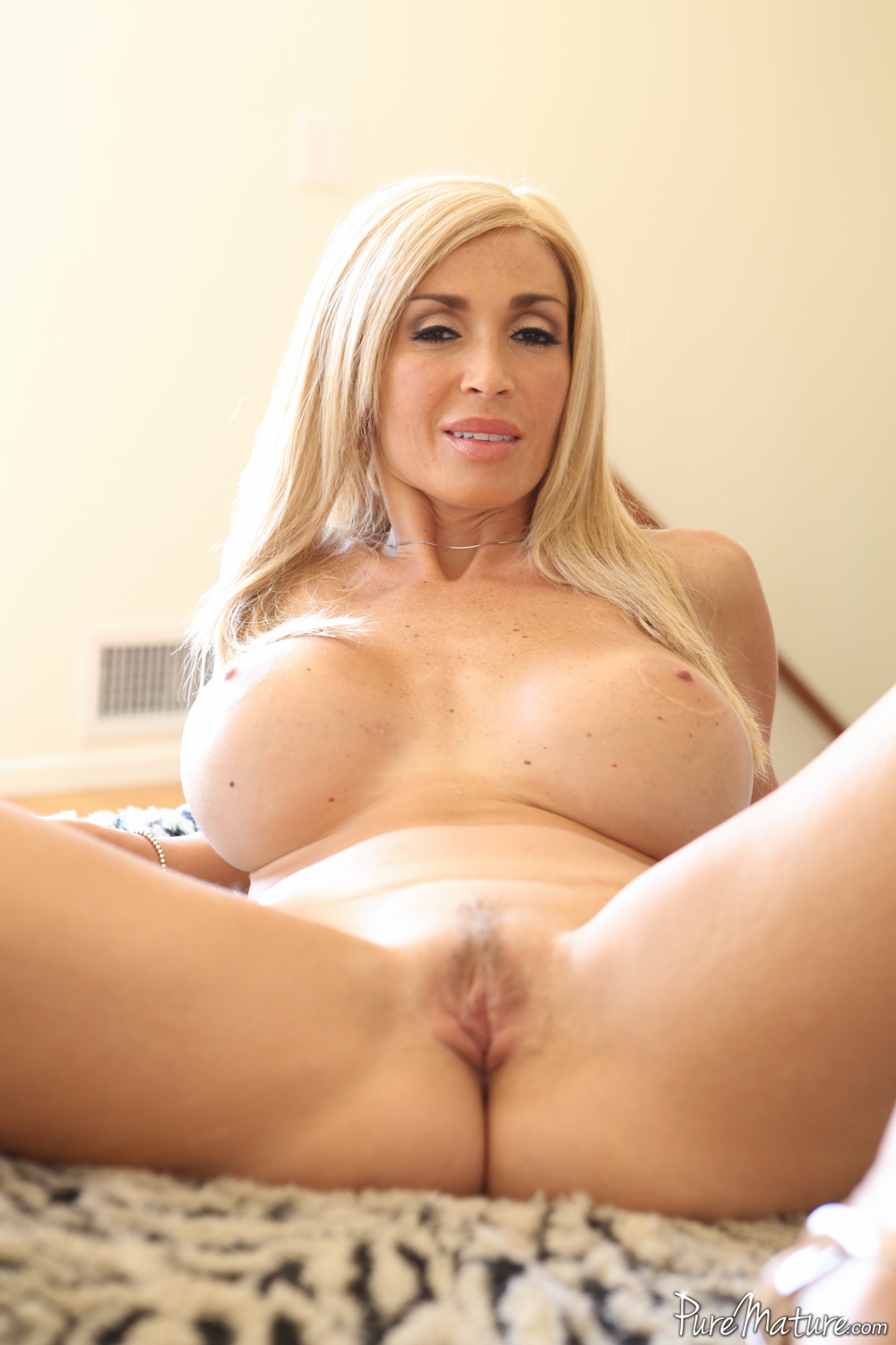 pure mature presents evita pozzi in a scene called sex tape